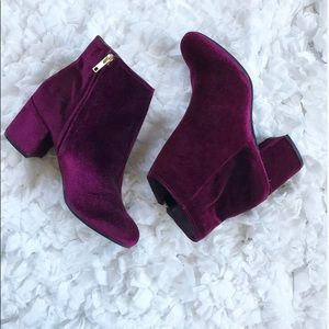 NWOB Rebel by Zigi Velvet Booties